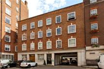 1 bed Flat to rent in Reeves Mews, London, W1K