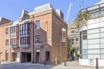 3 bedroom property for sale in Cloth Fair, London, EC1A