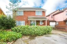 4 bed Detached house in Elsenham Crescent...