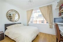 Studio apartment to rent in Buckingham Gate, London...