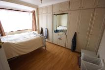 3 bed Apartment in Avondale Avenue, London...