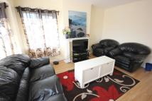 3 bed Flat to rent in Bunns Lane, London, NW7