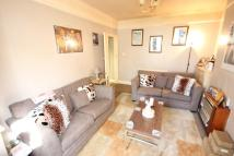 1 bed Ground Flat in Great North Way, London...