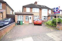 4 bedroom semi detached house to rent in Hibbert Avenue, Watford...