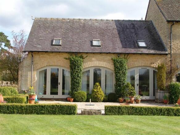 2 Bedroom Barn Conversion For Sale In 7 Lyneham Farm