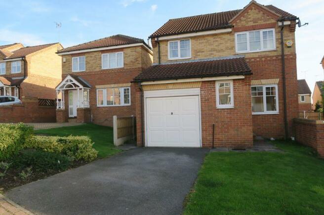 3 Bedroom Detached House To Rent In Dunnock Croft Morley