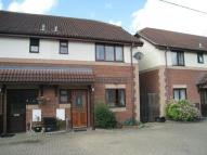 3 bedroom semi detached house to rent in Meadow Close, Westbury