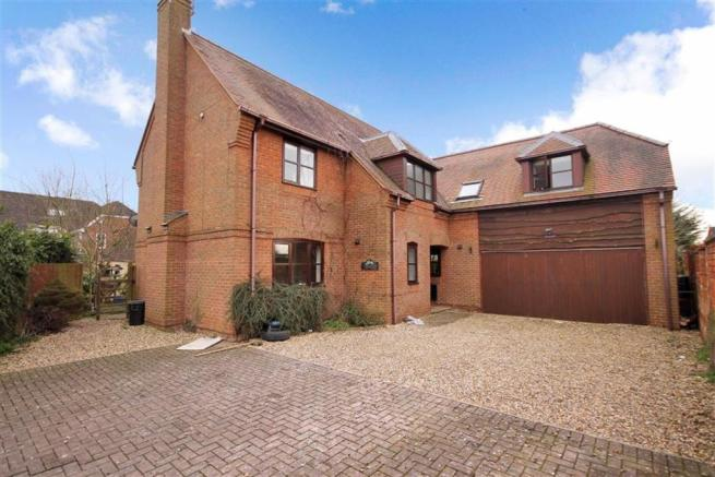 5 Bedroom Detached House For Sale In Stable Cottage Old Shaw Lane Swindon Sn5