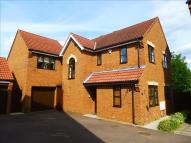 4 bed Detached property in Earlshall Place...