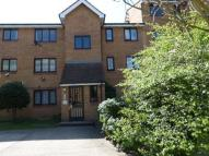 1 bed Ground Flat in Grinstead Road, London...