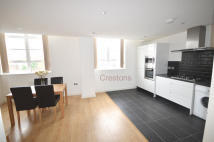 Flat to rent in Turner Street, London