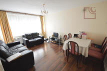 3 bed Flat to rent in Emberton Court...