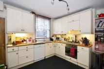 2 bed home in Keystone Crescent...