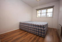 2 bedroom Apartment to rent in Heddington Grove, London...