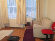 Flat in Freegrove Road, London...