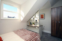 Flat in Camden Road, London
