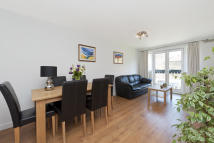 Flat for sale in Cubitt Street...