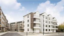 Apartment in Kew Bridge Court, London