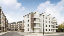 Apartment in Kew Bridge Court, London