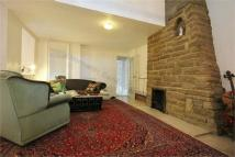 4 bed Detached property to rent in Castelnau, London