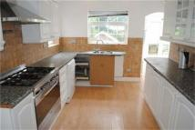 5 bedroom semi detached property to rent in Edgeworth Crescent...