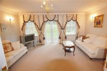 Apartment to rent in Century Close, Hendon