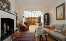 Ground Flat to rent in Ornan Road, Belsize Park