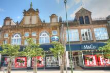 2 bedroom Flat to rent in Mackays Court Front...