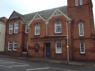 Flat to rent in Mary Street, Taunton...