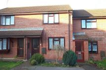2 bed Terraced house to rent in Gillards Close...