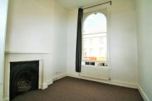 Flat to rent in Kingsland High Street...