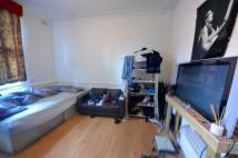 Studio flat in Holloway Road...