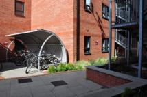 Ground Flat to rent in The Foundry 43 Woodgate...