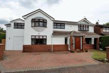 5 bed Detached property in Ten Acre Drive...