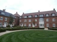 2 bed Flat in Avian Avenue Curo Park...
