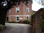 2 bedroom Ground Flat to rent in Sycamore Court...