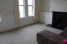 Furzehill Road Flat to rent