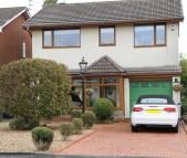 4 bedroom Detached house for sale in Mayfield Avenue...