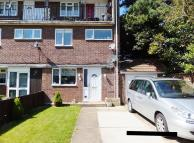 3 bed Maisonette in Hengrove Crescent...