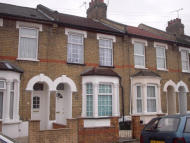 Edmonton Terraced house to rent
