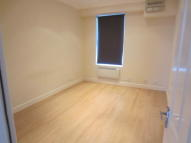 Flat to rent in London Road, Enfield, EN2