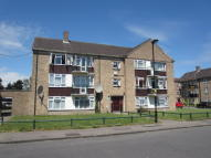 2 bedroom Flat in Carterhatch Lane...
