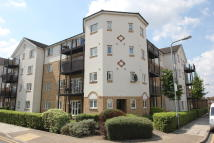 Flat to rent in ENSTONE ROAD, Enfield...