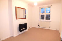 Flat in High Street, Esher, KT10