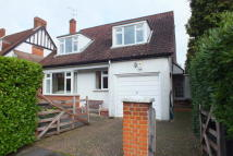 2 bed Detached house to rent in Warren Close, Esher, KT10