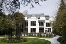 Penthouse to rent in Portsmouth Road, Esher...