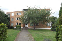 2 bedroom Flat to rent in Jasons Close, Brentwood
