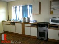Flat to rent in Bridge Street -...