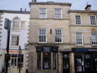 Flat to rent in MARKET PLACE...