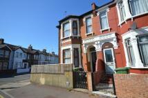 2 bedroom Flat in Browning Road...